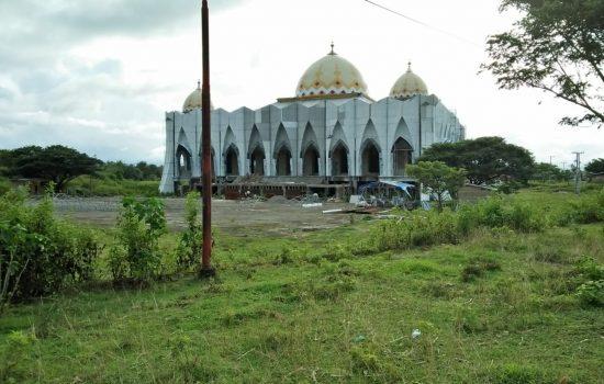 Masjid Islamic Center Sinjai yang terletak di Lingkungan Tanassang, Kelurahan Alehanuae, Kecamatan Sinjai Utara. /Ashari/AKURATNEWS