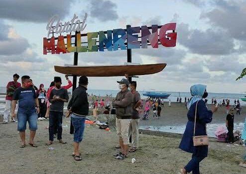 Pantai Mallenreng, salah satu tempat wisata di Kabupaten Sinjai, Sulawesi Selatan yang akan ditutup saat libur lebaran tahun 2021. /Ashari/AKURATNEWS